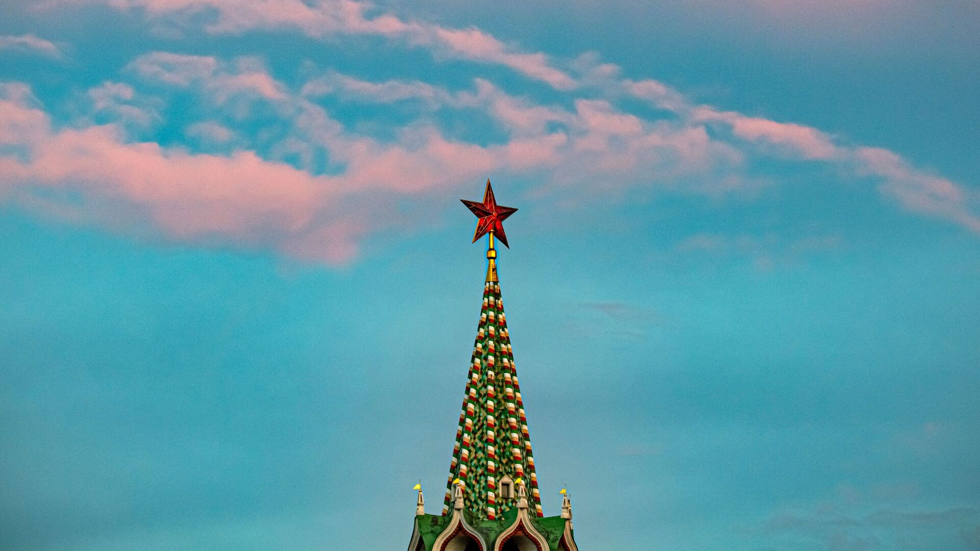 Una torre del Kremlin de Moscú - Sputnik Mundo, 1920, 16.02.2021