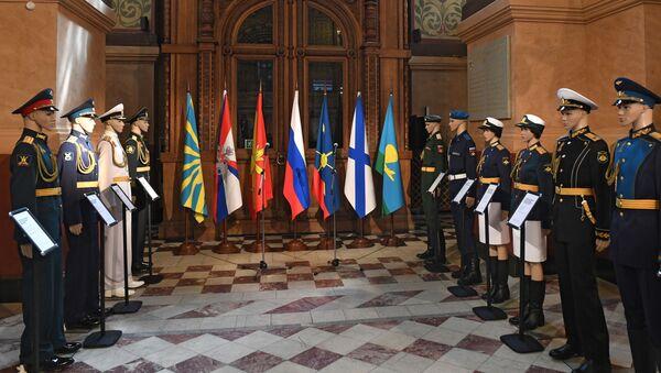 Muestra de uniformes en el Museo Histórico de Moscú - Sputnik Mundo