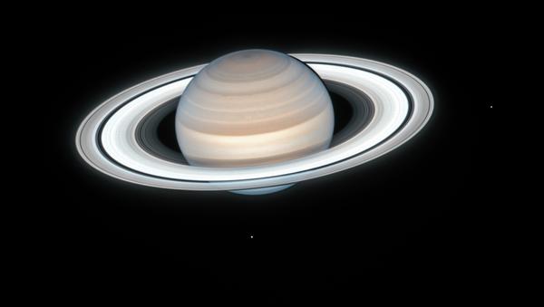 La foto de Saturno hecha por Hubble el 4 de julio de 2020 - Sputnik Mundo