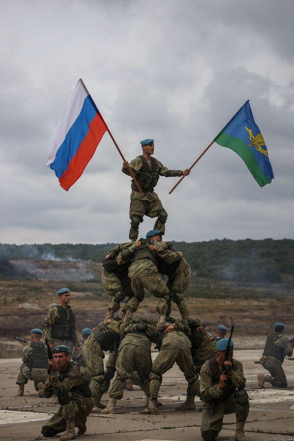 Así celebran las Fuerzas Aerotransportadas de Rusia su 90 aniversario - Sputnik Mundo