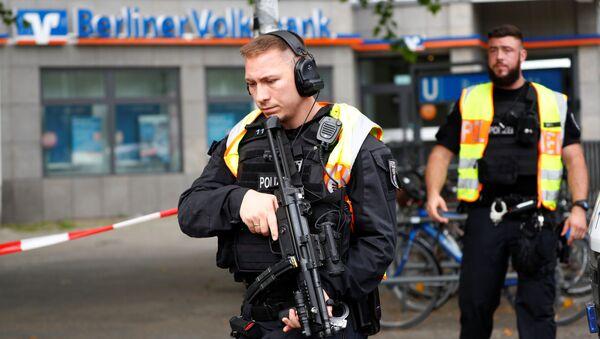 Policías en el lugar del ataque en Berlín - Sputnik Mundo