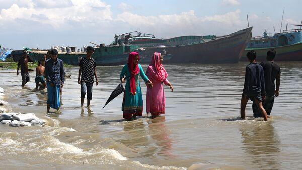 Un barco en Bangladés (archivo) - Sputnik Mundo