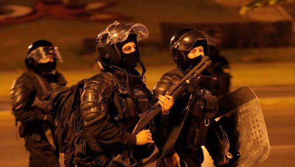 La Policía antidisturbios bielorrusa  - Sputnik Mundo