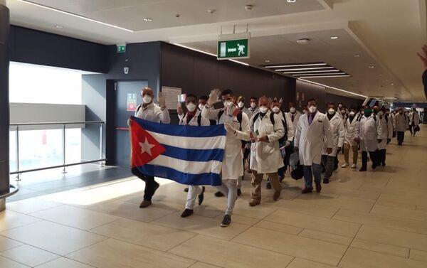 Brigada Médica Internacional Henry Reeve llega a Italia - Sputnik Mundo