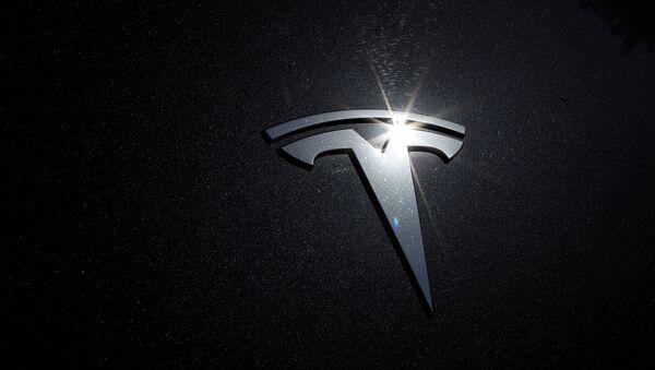 Logo de Tesla - Sputnik Mundo