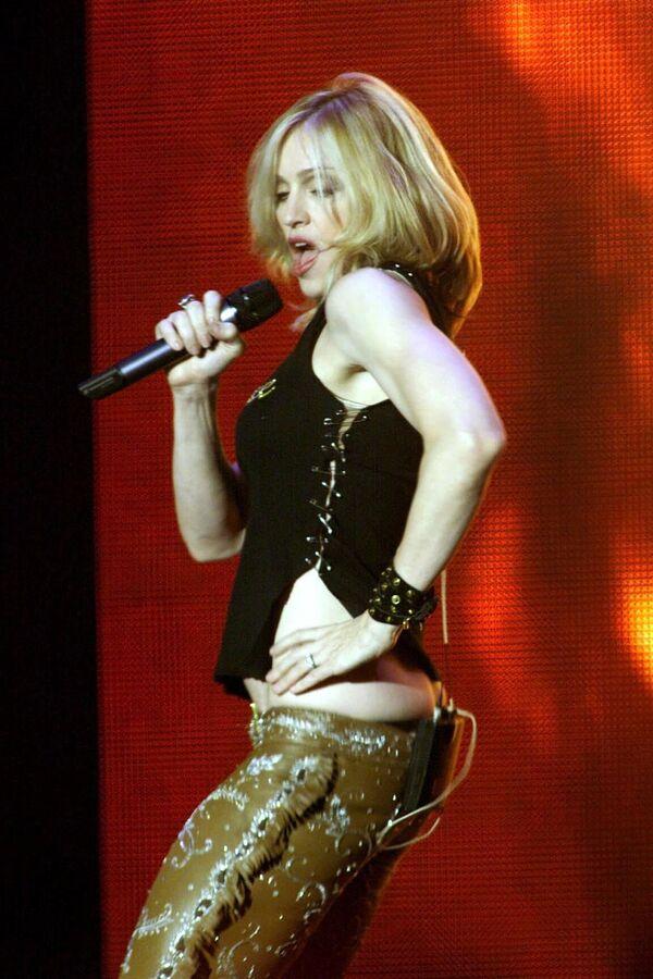 Madonna en los premios MTV en Suecia, en noviembre de 2000  - Sputnik Mundo