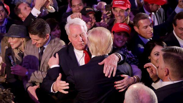 Robert Trump, hermano del actual mandatario, lo felicita por su discurso ante el Partido Republicano - Sputnik Mundo