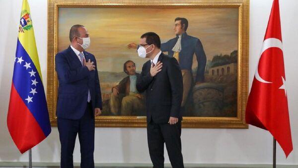 El canciller de Turquía, Mevlüt Cavusoglu, y su homólogo venezolano, Jorge Arreaza - Sputnik Mundo