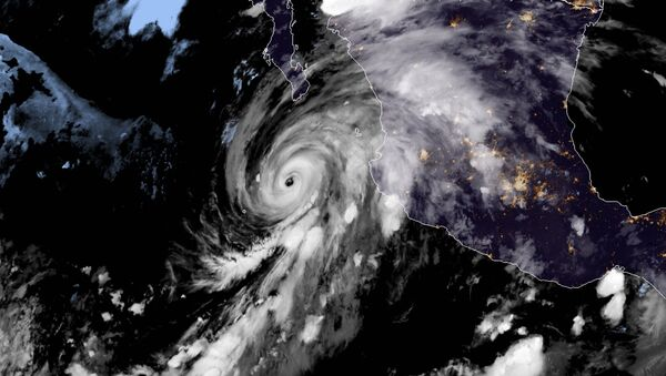El huracán Genevieve - Sputnik Mundo
