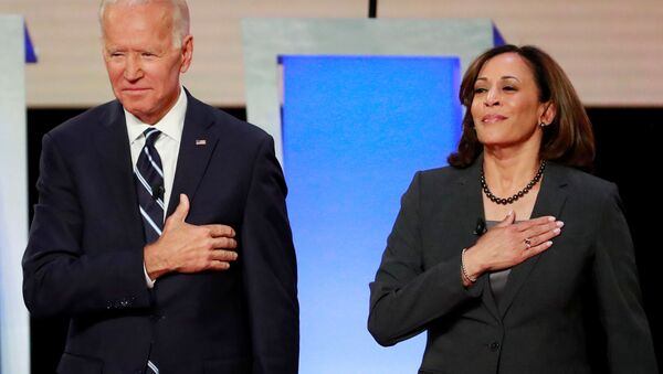 Candidato a la presidencia de EEUU, Joe Biden, con candidata a la vicepresidencia, Kamala Harris - Sputnik Mundo