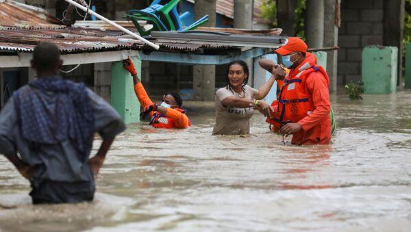 Consecuencias de la tormenta tropical Laura en la República Dominicana - Sputnik Mundo