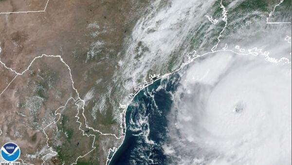 El huracán Laura, vista desde el espacio - Sputnik Mundo
