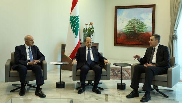 El embajador del Líbano en Alemania, Mustapha Adib, el presidente del Líbano, Michel Aoun y el portavoz del Parlamento del Líbano, Nabih Berri - Sputnik Mundo