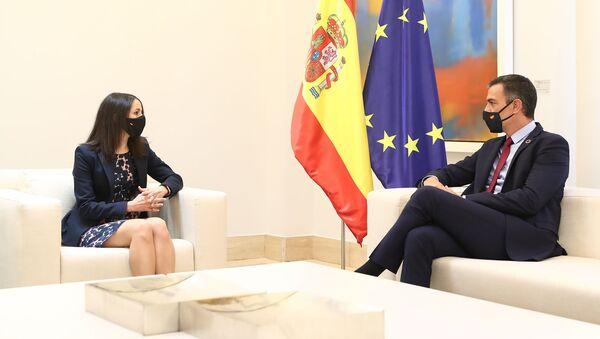 Arrimadas y Sánchez en la reunión mantenido el 2 de septiembre - Sputnik Mundo