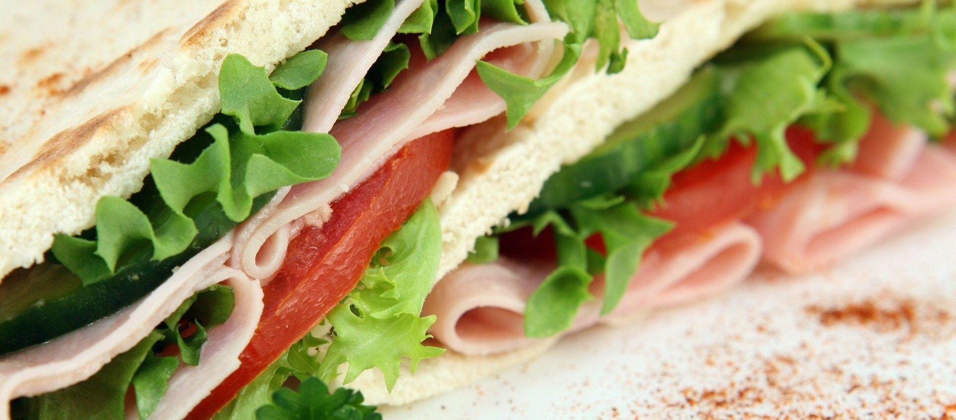 Un sándwich (imagen referencial) - Sputnik Mundo, 1920, 08.09.2020