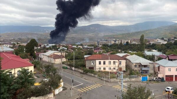 Consecuencias del ataque a la capital de Nagorno Karabaj, Stepanakert - Sputnik Mundo