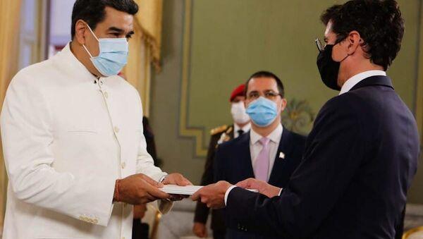 El presidente de Venezuela, Nicolás Maduro, recibe las cartas credenciales de Jürg Sprecher, el nuevo embajador de Suiza ante Venezuela - Sputnik Mundo