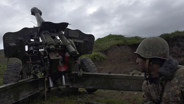 Una posición de artillería en Nagorno Karabaj (archivo) - Sputnik Mundo