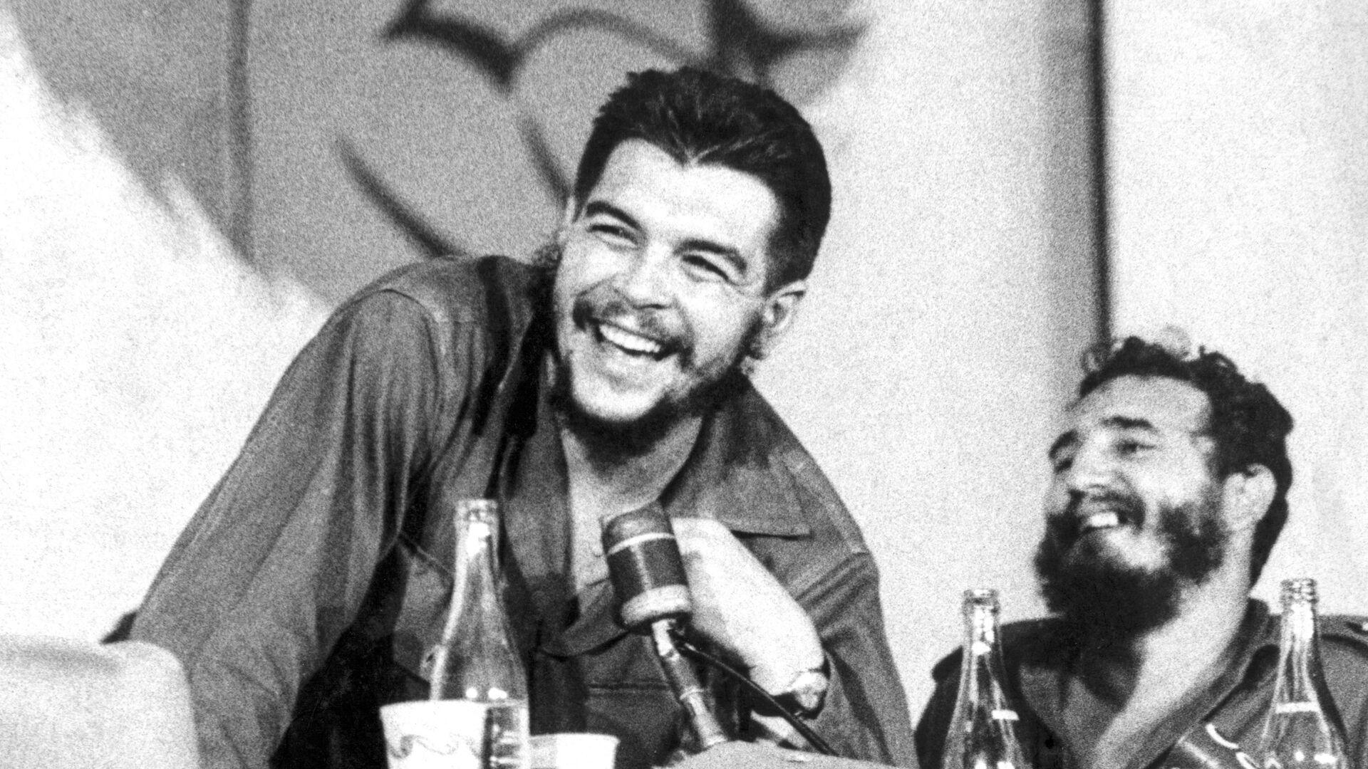 Che Guevara junto a Fidel Castro - Sputnik Mundo, 1920, 09.10.2021