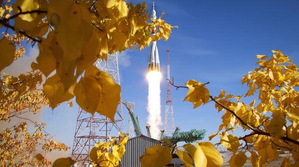 El lanzamiento del Soyuz 2.1a con el Soyuz MS-17 desde el Cosmódromo de Baikonur  - Sputnik Mundo