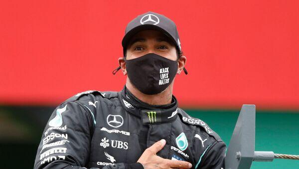 Lewis Hamilton tras ganar el Gran Premio de Portugal, Portimao, el 25 de octubre - Sputnik Mundo