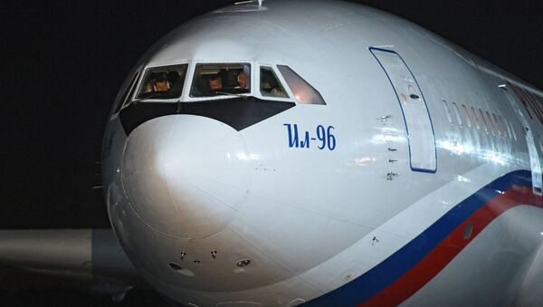 Un IL-96 ruso - Sputnik Mundo