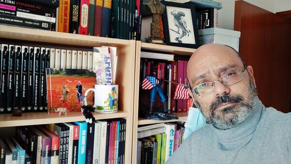 El autor catalán Hernán Migoya - Sputnik Mundo