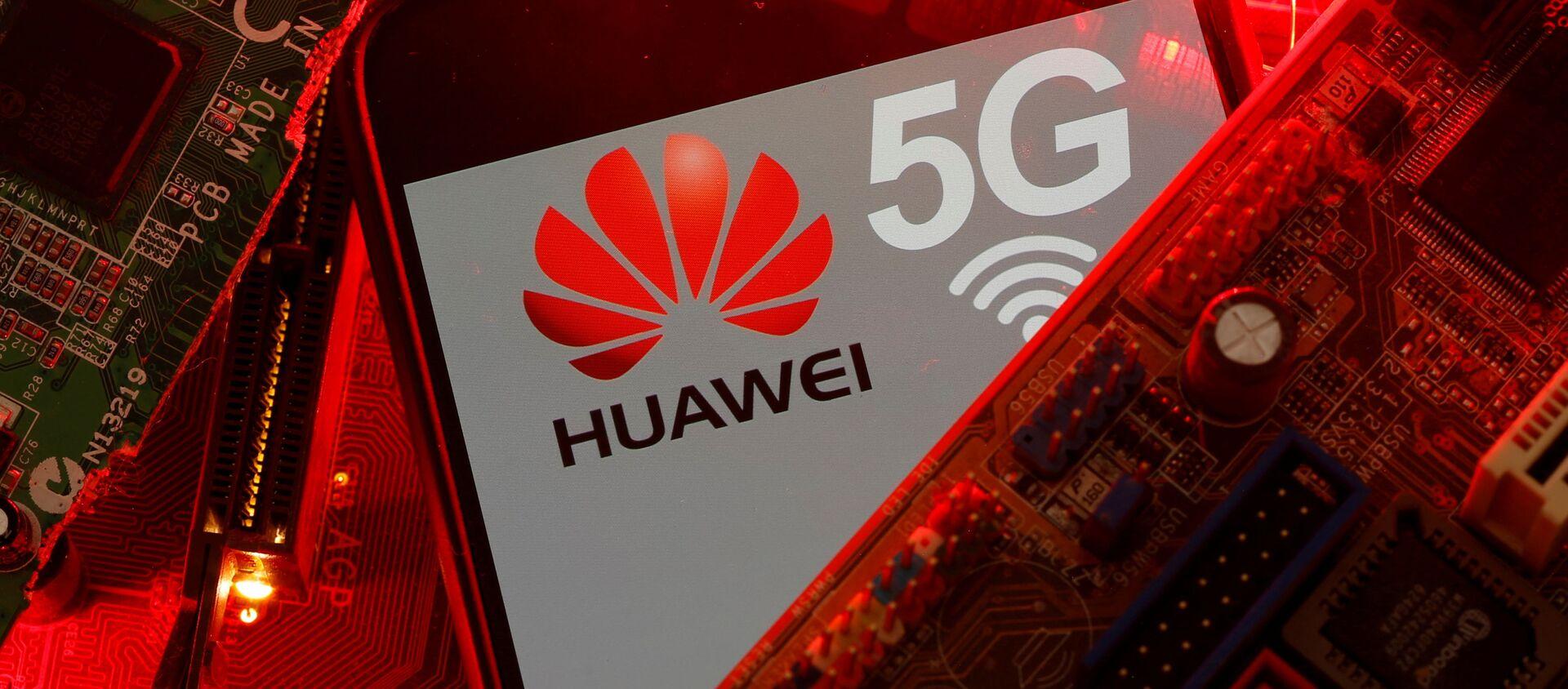 El logo de Huawei y la red 5G - Sputnik Mundo, 1920, 23.11.2020