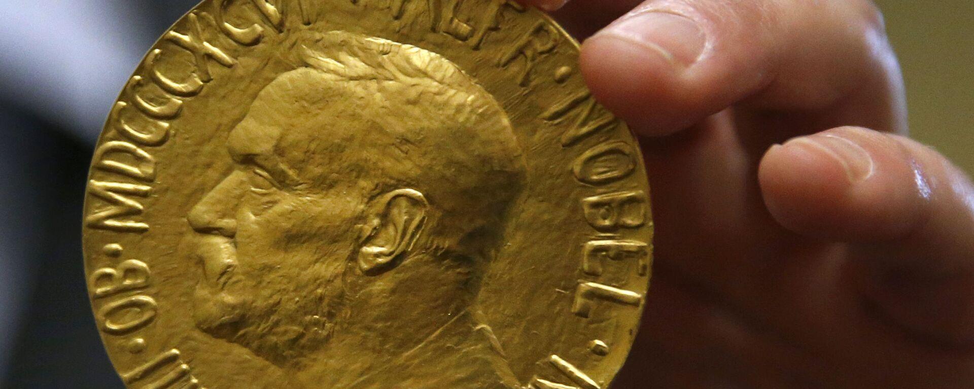 Medalla del Premio Nobel de la Paz otorgada a Carlos Saavedra Lamas subastada en 2014 - Sputnik Mundo, 1920, 23.09.2021