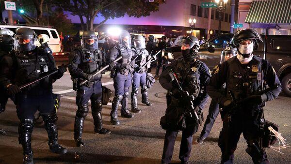 Protestas en Portland, EEUU - Sputnik Mundo