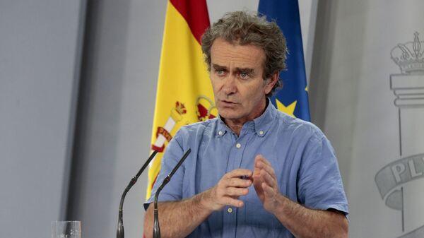 Fernando Simón durante una rueda prensa - Sputnik Mundo