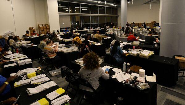 Сonteo de votos en Atlanta, Georgia - Sputnik Mundo