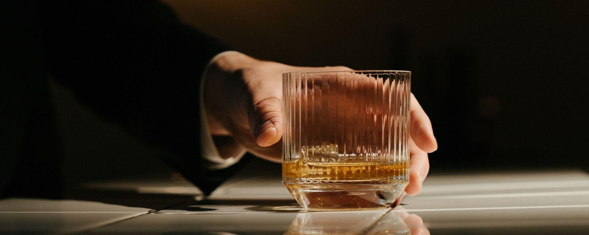 Un vaso de alcohol (imagen referencial) - Sputnik Mundo, 1920, 26.03.2021