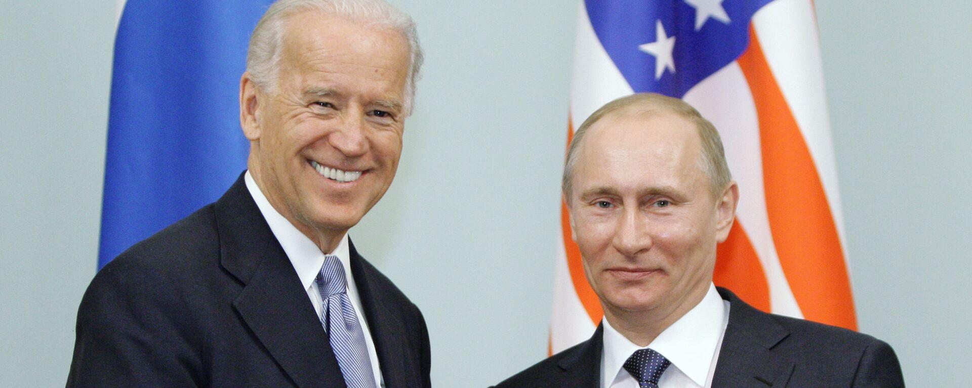 Joe Biden y Vladímir Putin en Rusia (archivo, año 2011) - Sputnik Mundo, 1920, 10.11.2020