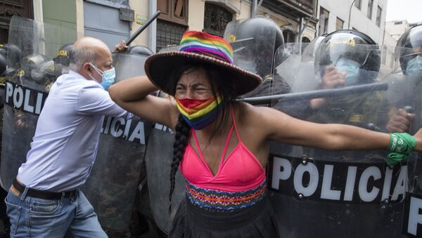 Protestas contra la destitución de Martín Vizcarra en Lima, Perú - Sputnik Mundo