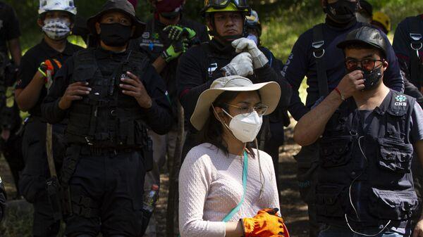 Búsqueda de la Comisión local y familiares de los tres trabajadores de Sanborns desaparecidos en el norte de la Ciudad de México - Sputnik Mundo