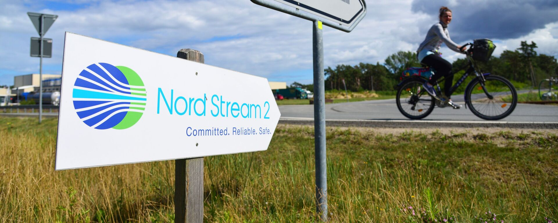 Una señal de Nord Stream 2 en Alemania - Sputnik Mundo, 1920, 05.02.2021