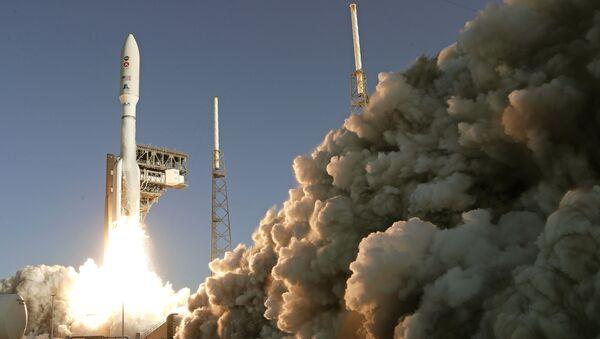 Lanzamiento del cohete Atlas V (archivo) - Sputnik Mundo