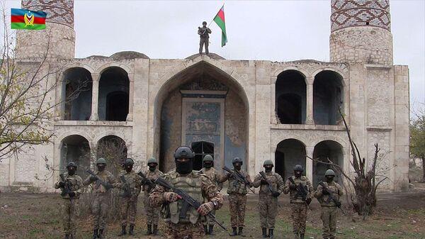 Las Fuerzas Armadas de Azerbaiyán en la localidad de Agdam  - Sputnik Mundo