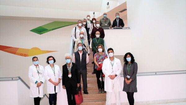 12 médicos jubilados se incorporan como voluntarios en Granada - Sputnik Mundo