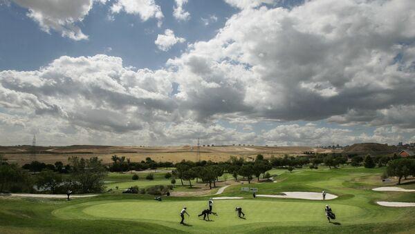 Celebración del Madrid Golf Masters en el campo de golf de la Moraleja en Madrid - Sputnik Mundo