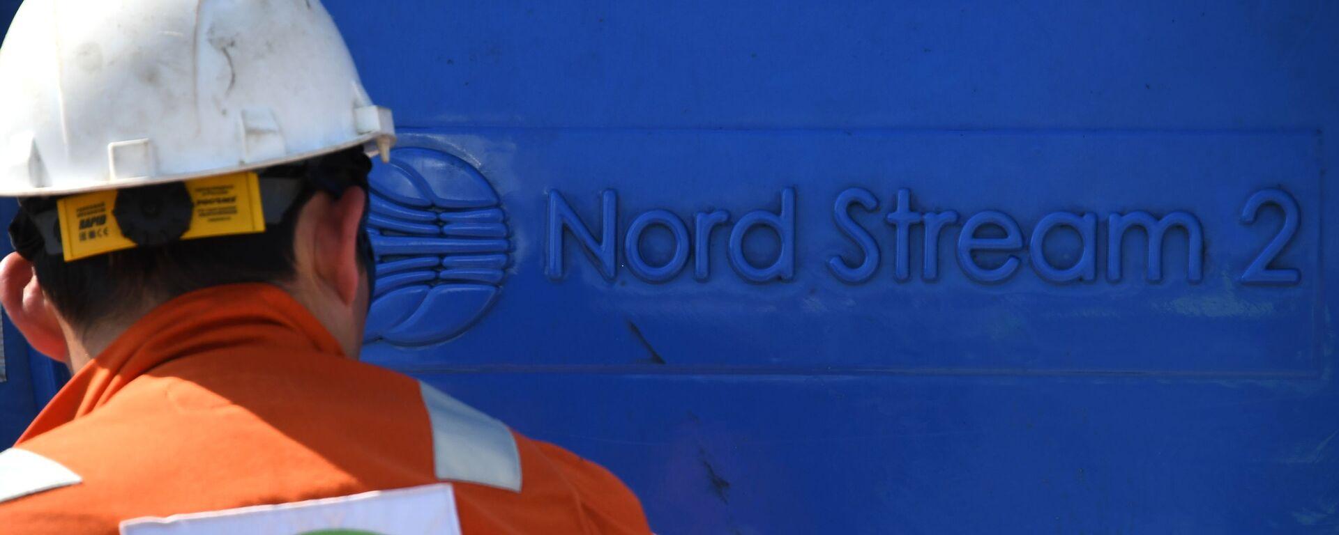 Un empleado invoclucrado en la construcción del gasoducto Nord Stream 2 - Sputnik Mundo, 1920, 08.10.2021
