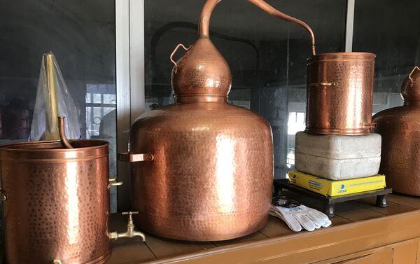 Objetos de cobre del Taller de Manolete en Os Peares - Sputnik Mundo