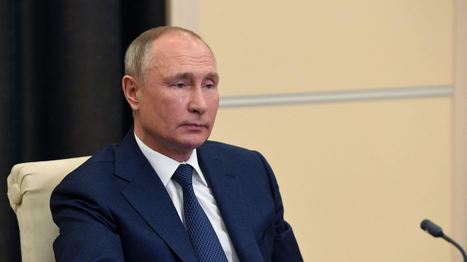 El presidente ruso, Vladímir Putin, en una conferencia en línea sobre inteligencia artificial - Sputnik Mundo, 1920, 31.03.2021