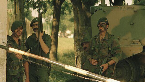 Carapintadas, alzamientos militares en Argentina - Sputnik Mundo