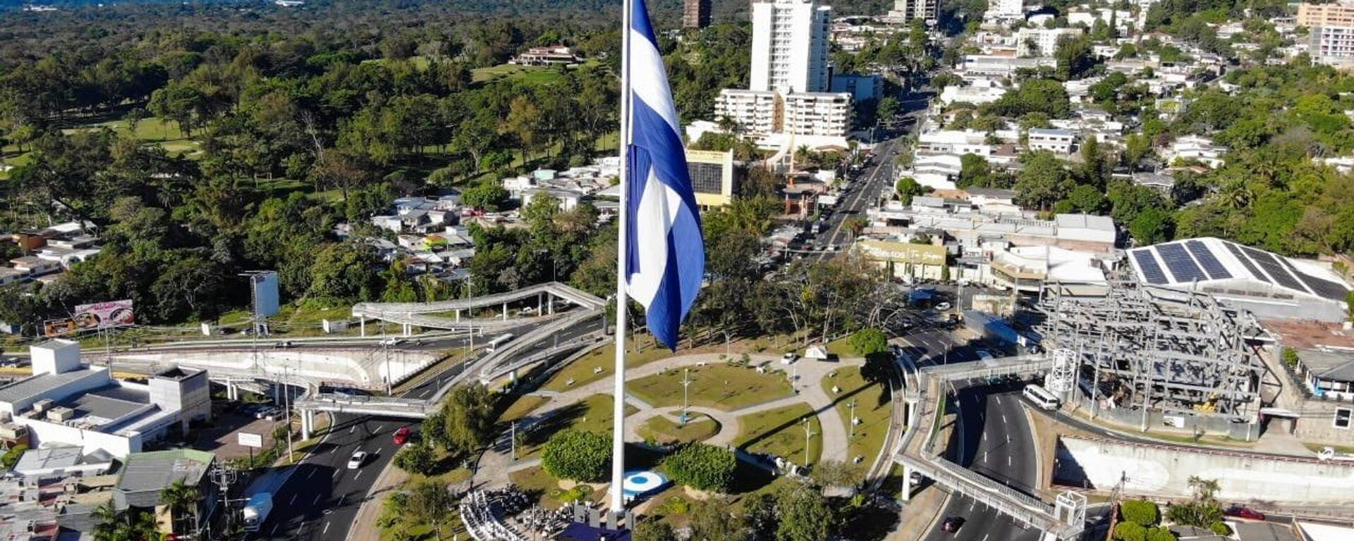 Bandera de El Salvador - Sputnik Mundo, 1920, 20.04.2021