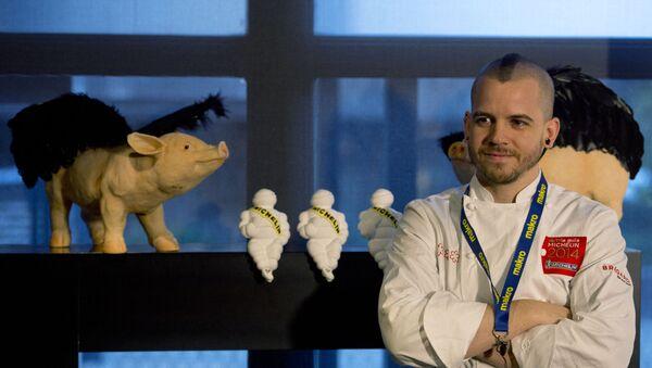 El chef español Dabiz Muñoz en su restaurante DiverXo en Madrid - Sputnik Mundo