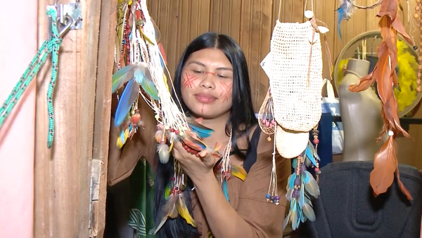 La influencer indígena de la Amazonía Ira Maragua - Sputnik Mundo