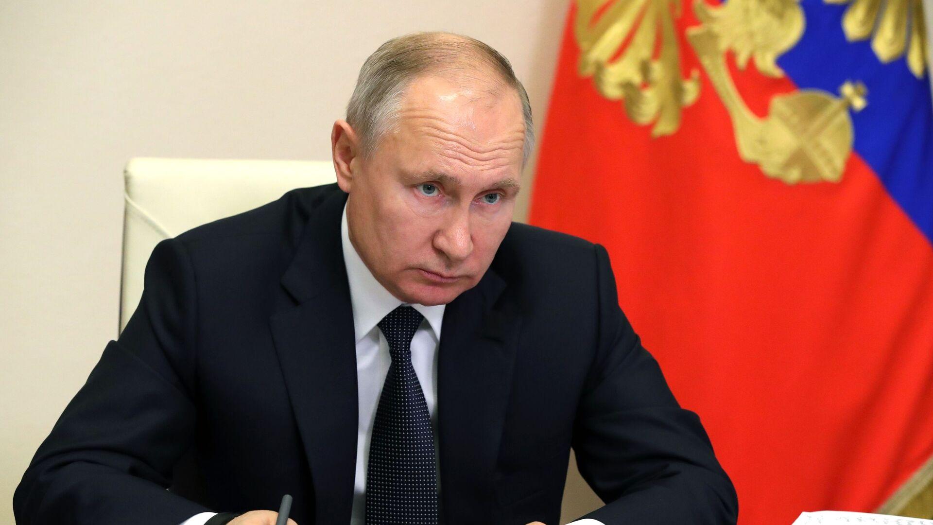 Vladímir Putin, el presidente de Rusia, en una reunión sobre el desarrollo estratégico y los proyectos nacionales - Sputnik Mundo, 1920, 03.03.2021