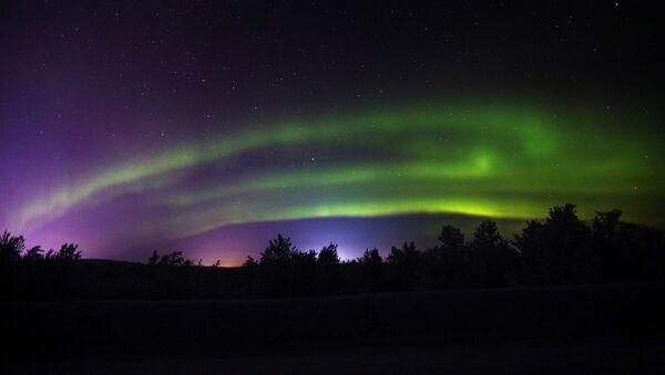 Aurora boreal en la región rusa de Múrmansk - Sputnik Mundo